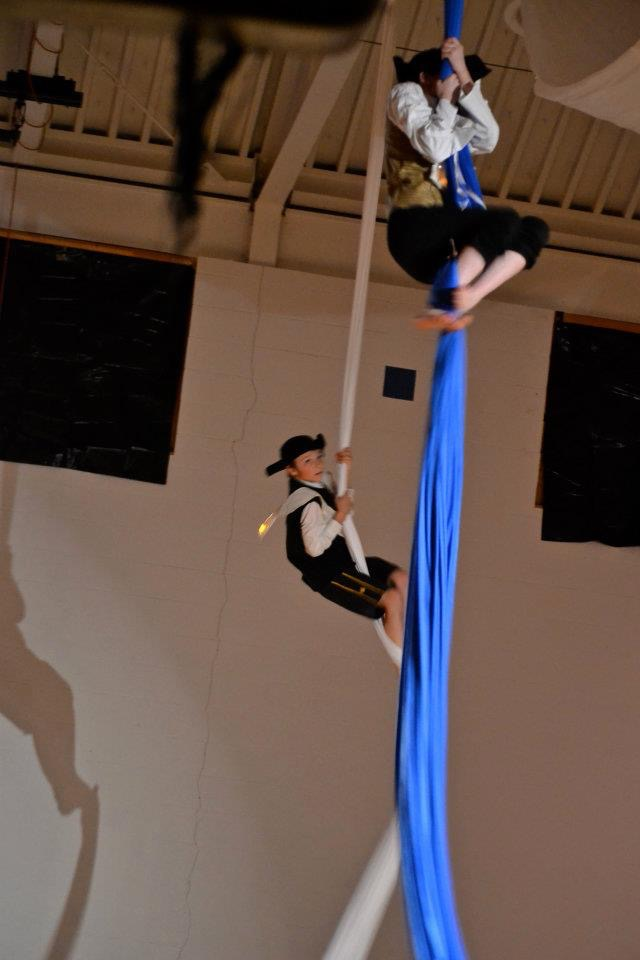 Mac & Alouette on Silks 2*